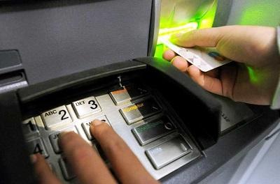Кража с банковской карты: способы мошенничества и что делать