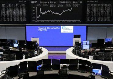 Европейские акции продолжили расти благодаря надеждам на новые масштабные стимулы в США