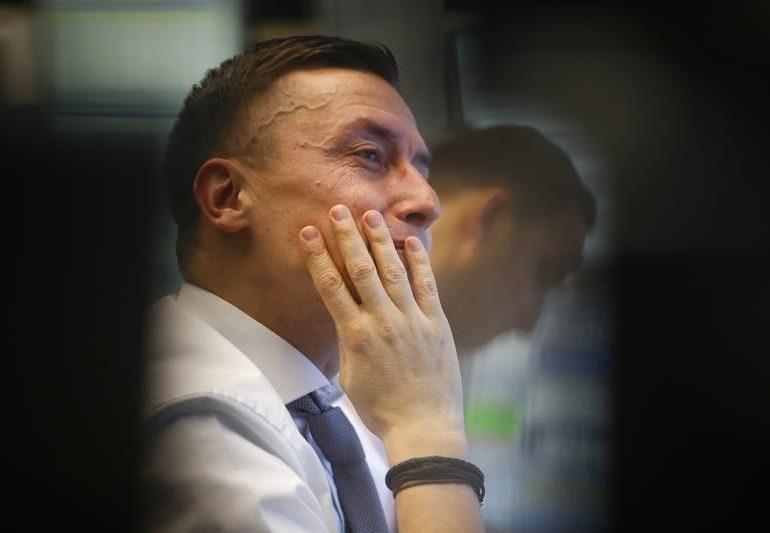 Европейские фондовые рынки завершили торги снижением