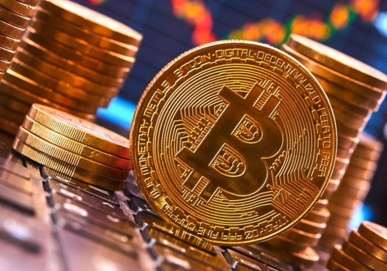 Glassnode: инвесторы массово выводят биткоины с централизованных бирж