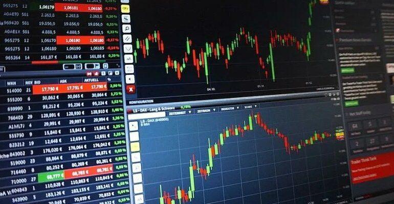 Индекс МосБиржи снизился на 0,2%, индекс РТС вырос на 0,8%