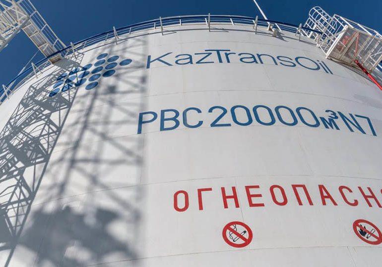 Казахстан приостановил транзит нефти через Россию