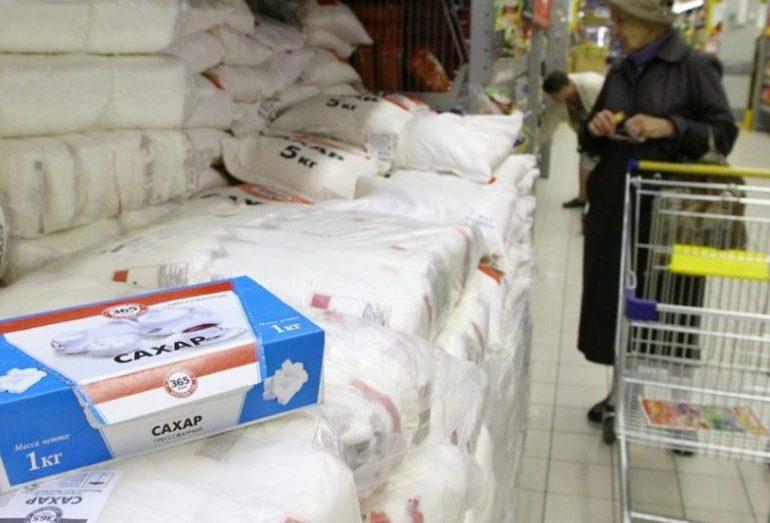 Минпромторг заявил об отсутствии жалоб сетей на проблемы с закупкой сахара