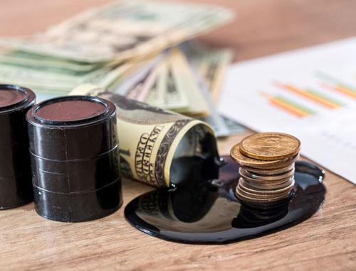 Нефть подешевела на ухудшении перспектив спроса