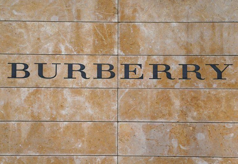 Продажи Burberry снизились на 9% в 3 кв из-за закрытия магазинов