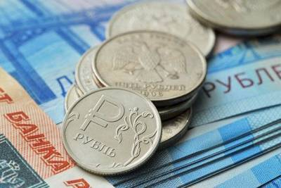 Рубль вечером растет к доллару и евро на фоне уверенно дорожающей нефти и спросе на риск