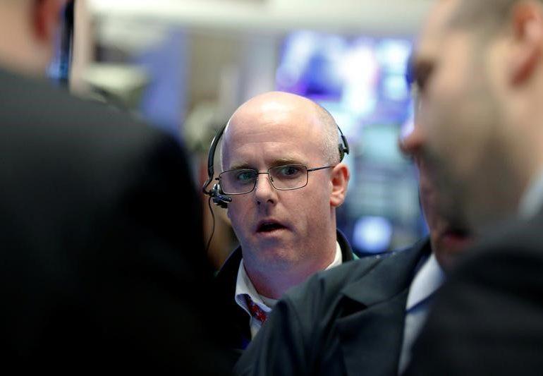 Рынок акций Московской биржи по состоянию на 10:05 мск 14 января снижается