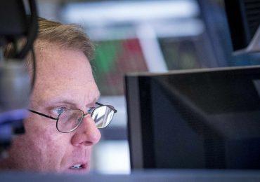 Рынок акций Московской биржи по состоянию на 14:30 мск 15 января снижается