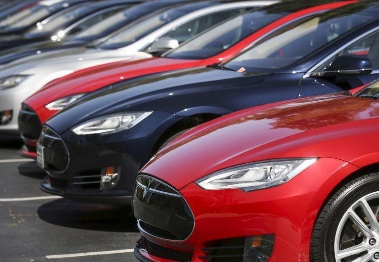 Tesla: доходы оказались ниже прогнозов, прибыльa обогнал ожидания в Q4