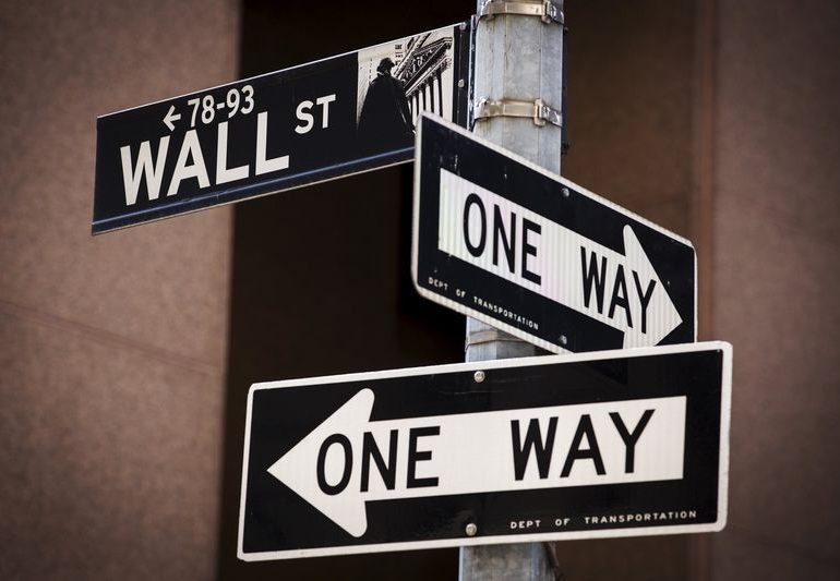 Уолл-стрит падает, Microsoft растет